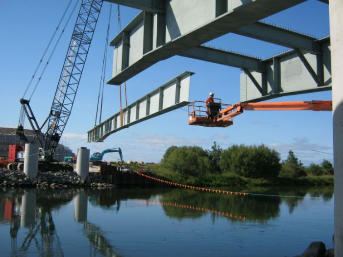 Kaituna River bridge under construction